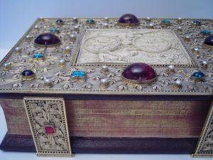 Bucheinband für ein Messbuch im Stil der Gotik