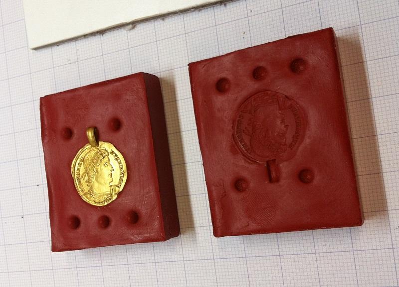 Replik römische Goldmünze