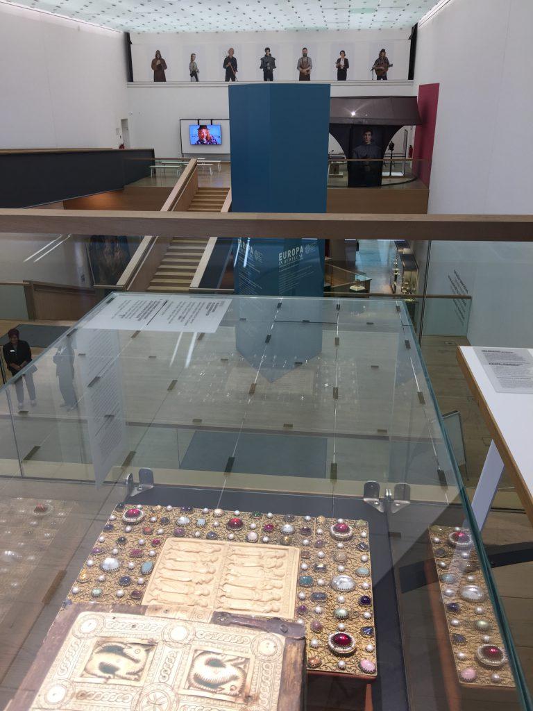 """Leihgabe an die Ausstellung """"Ritter und Burgen"""" im RLMB"""