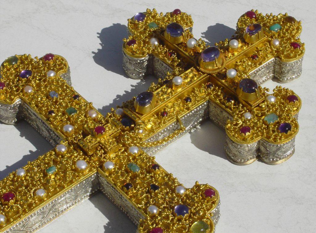 Replik des Äbtissinnenkreuzes aus Aachen Burtscheid