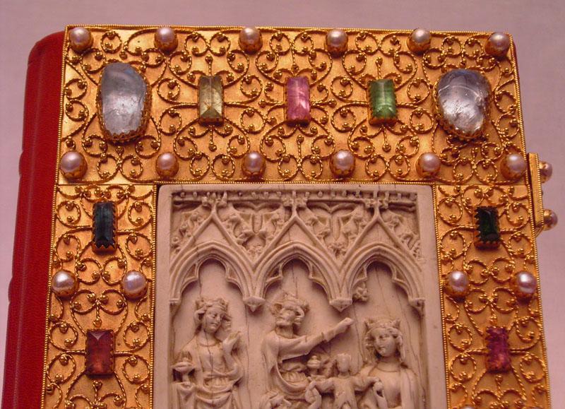 Bucheinband im Stil des Mittelalters