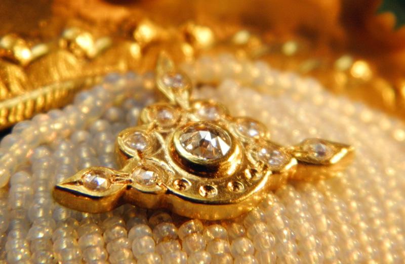 Ikone mit Diamant-Diadem