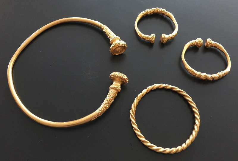 Nachvergoldung Keltische Halsreifen Armreifen