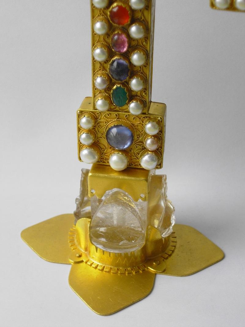 Sockel Reliquienkreuz