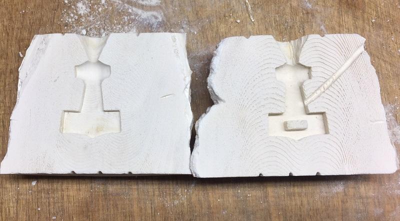 Sepia Guss Form für einen Thorshammer